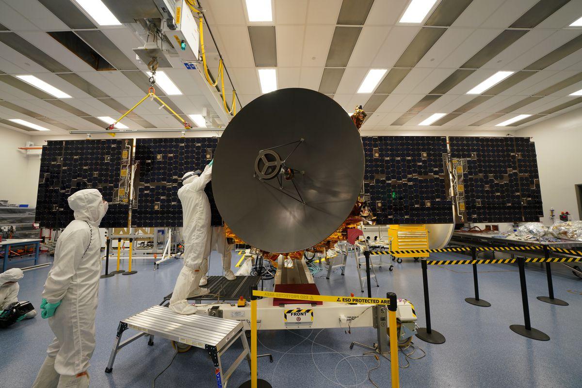Assista aos Emirados Árabes Unidos lançarem sua primeira missão a Marte 2
