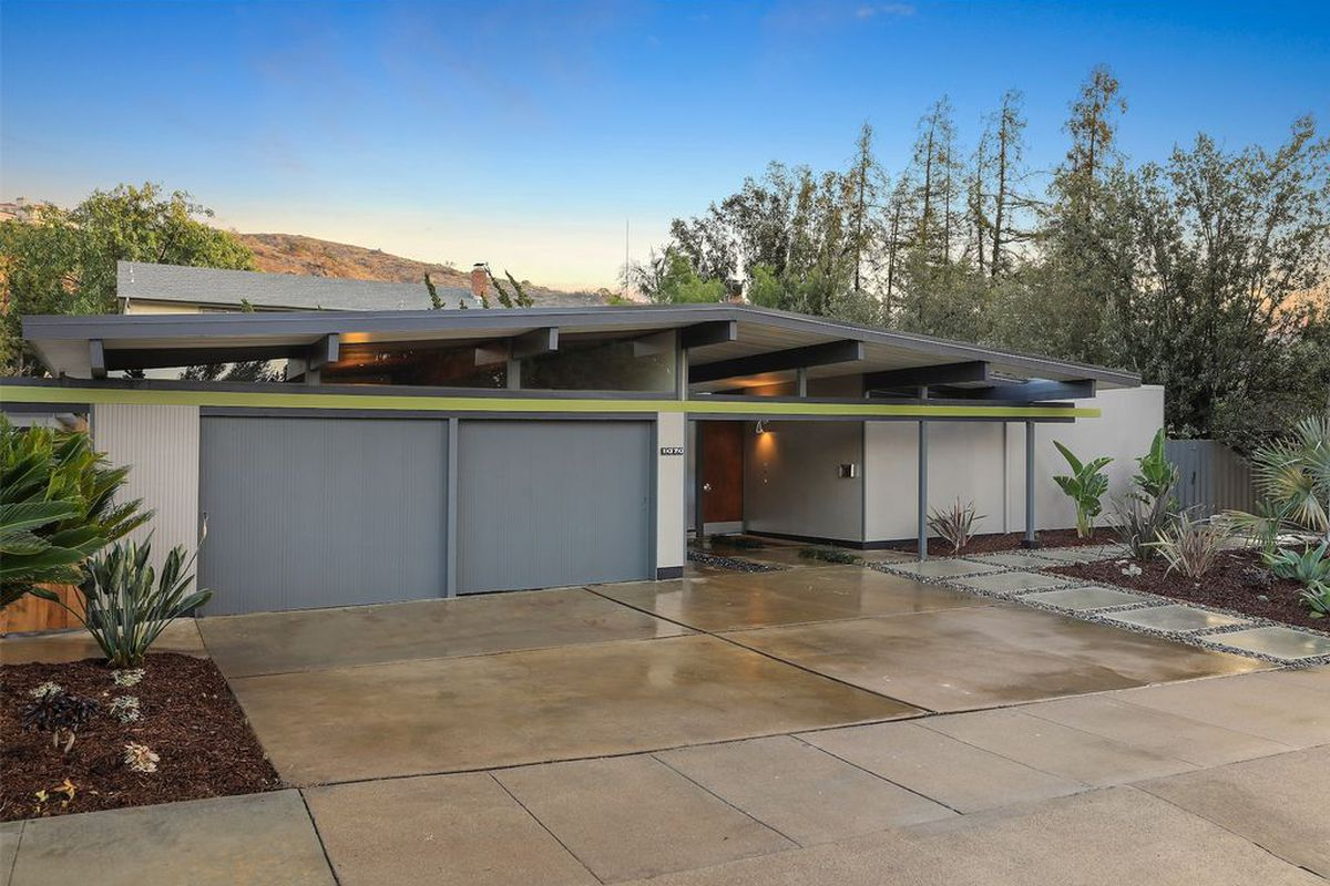 Eichler with rare floor plan goes on the market for first for Garage orleans auto