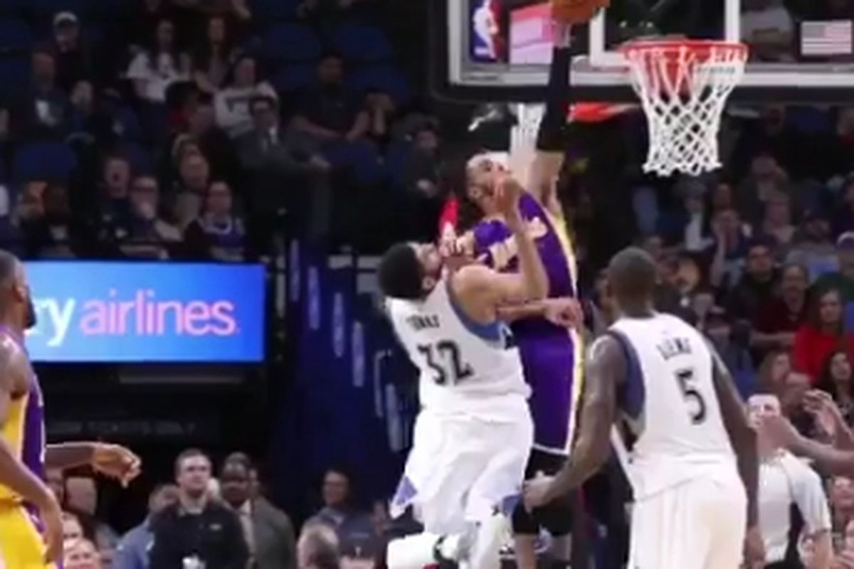 90b08f8bc799 Lakers Highlights  D Angelo Russell (kind of) dunked on Karl-Anthony Towns