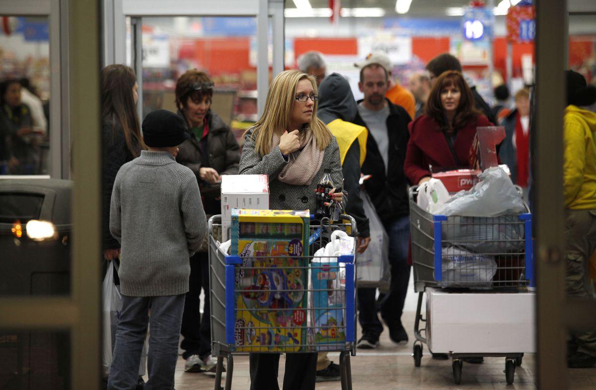 walmart-women-shoppers