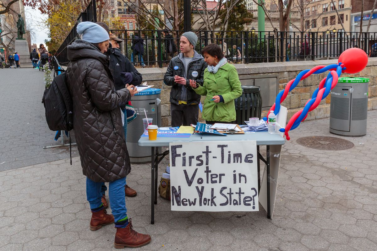 People register to vote in Union Square in 2016.