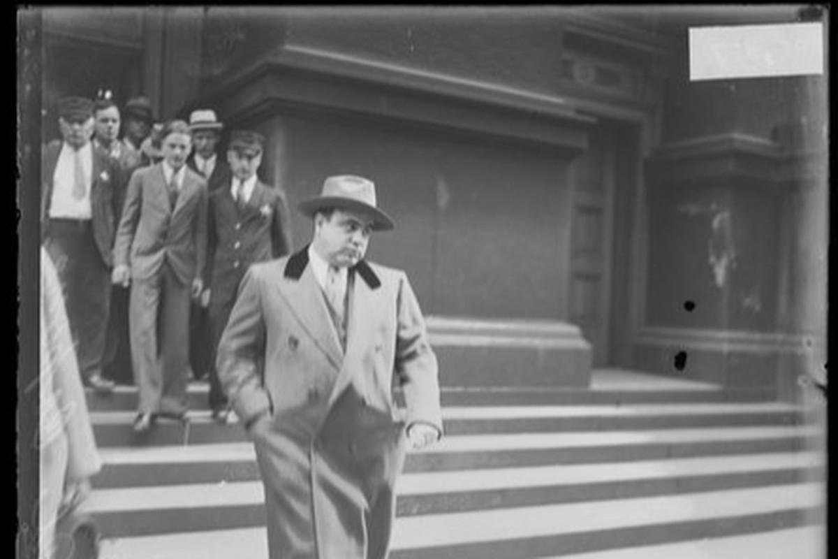 Al Capone leaves court