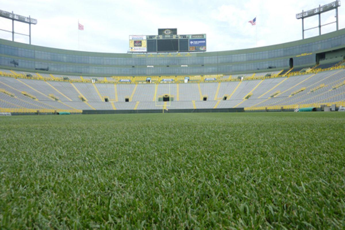 Lambeau Field (wiki commons)