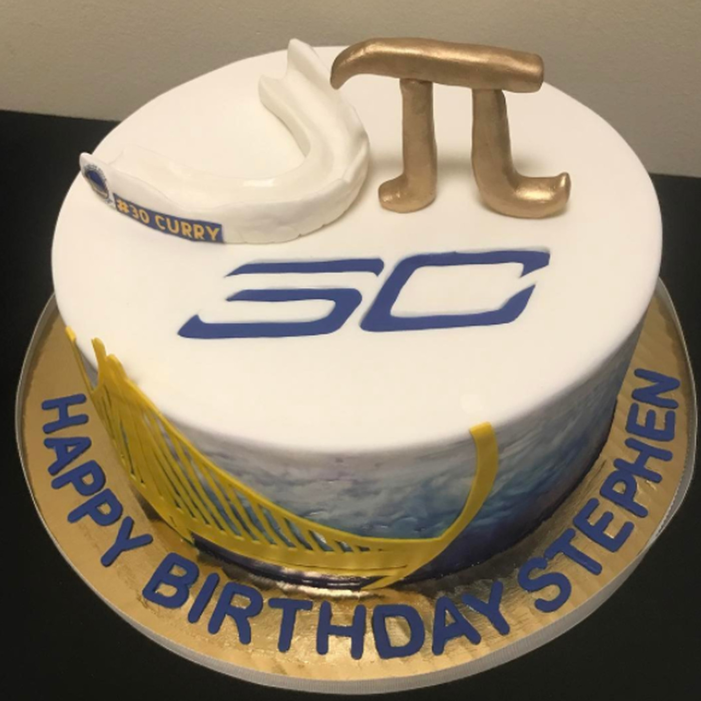 Steph Currys Birthday Cake Is The Most Steph Curry Birthday Cake