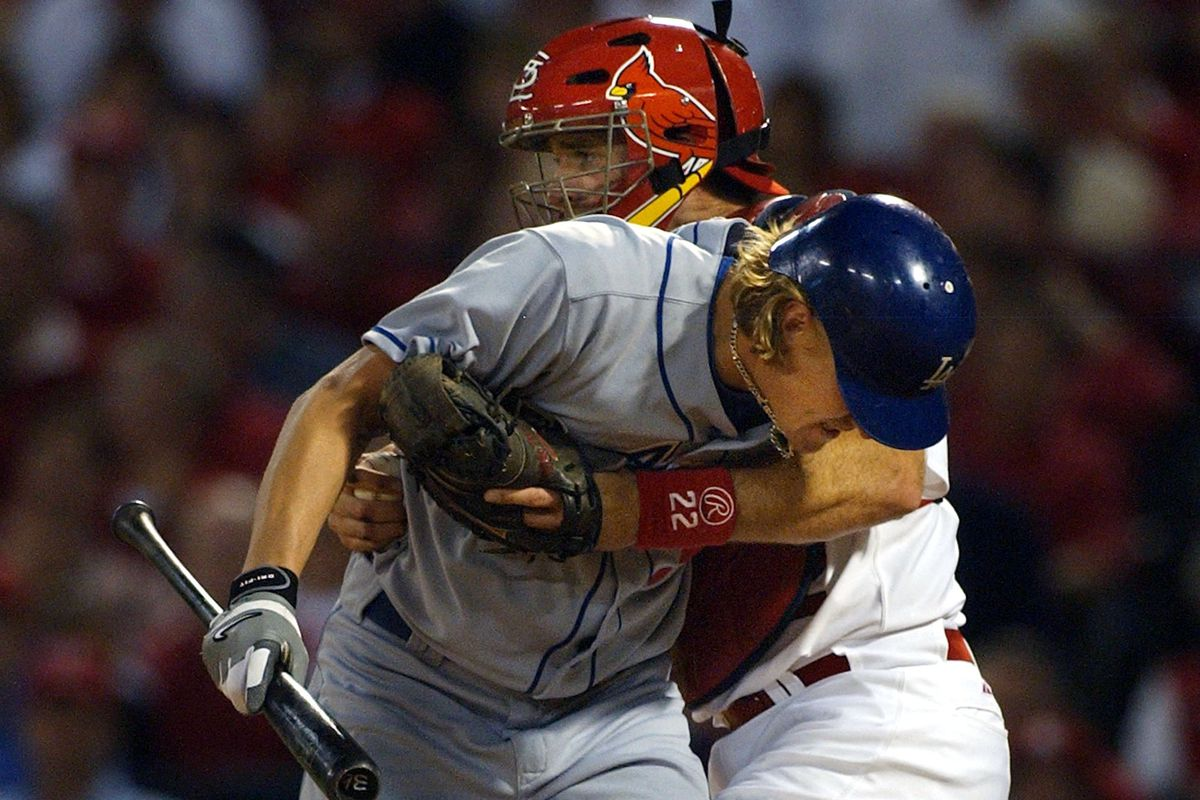 Jeff Weaver couldn't quite hold up against Mike Matheny and the Cardinals in 2004.