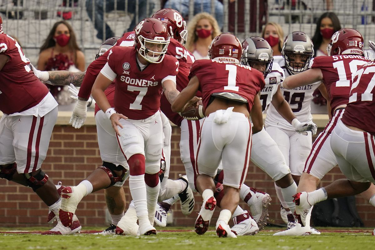 Oklahoma Football Chris Klieman Impressed By Spencer Rattler Lincoln Riley Looking For More Offensive Balance Crimson And Cream Machine