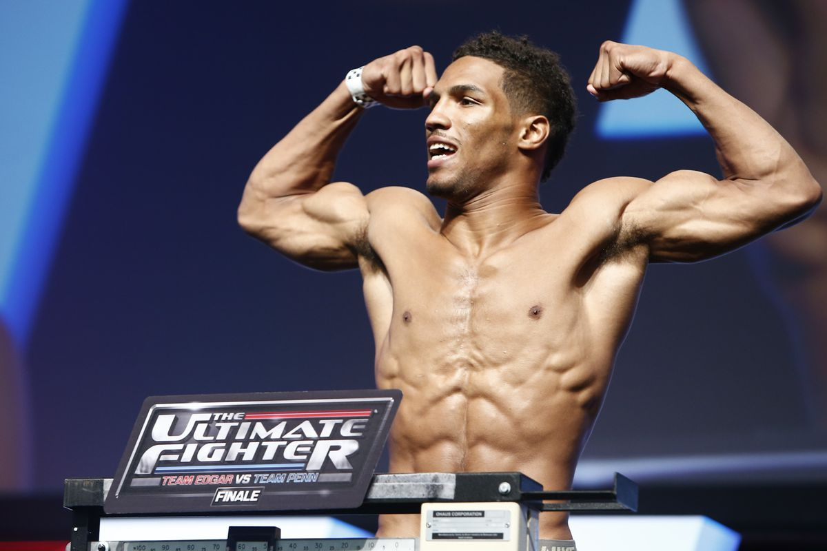 Stevie Ray out Kevin Lee in against Jake Matthews at TUF 23