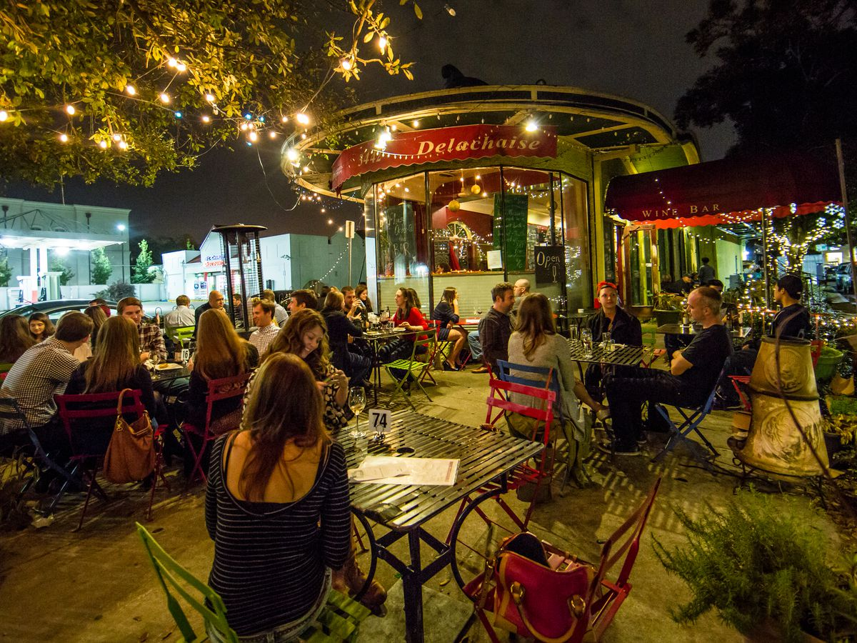 New Orleans\' Essential Outdoor Dining Spots