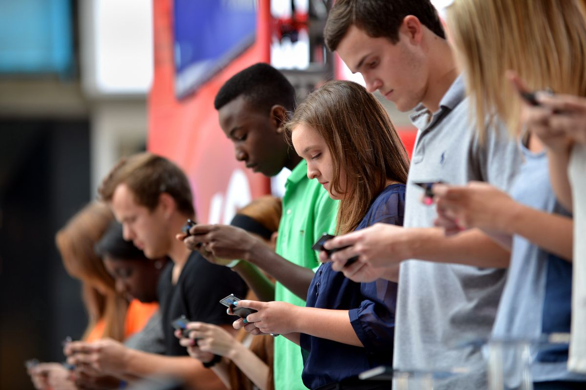 """Texting is one way to close a """"nagging gap"""" between low-income students and wealthier peers."""