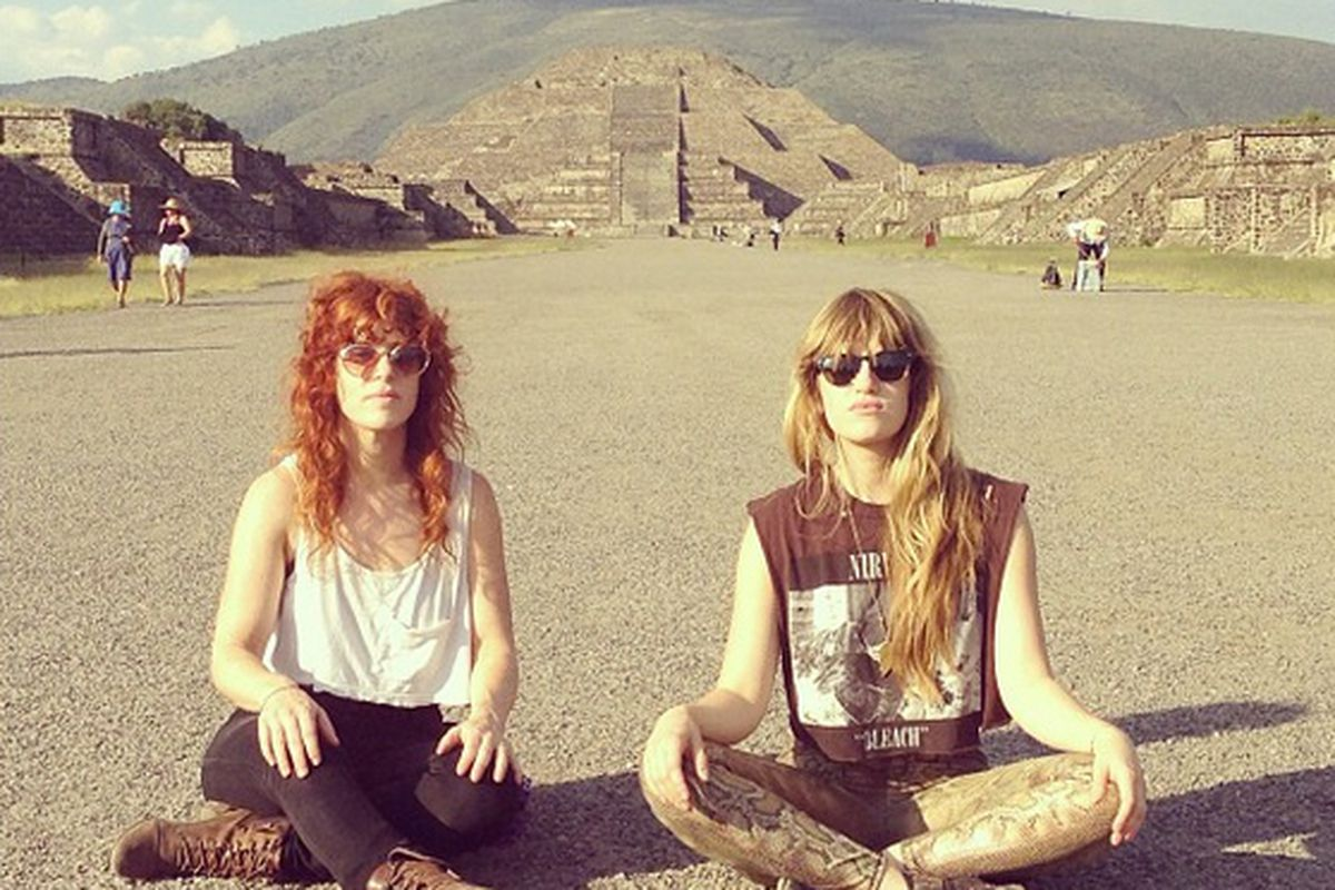 """L-R: Julie Edwards and Lindsey Troy. Images via @deapvally/<a href=""""http://instagram.com/deapvally"""" target=""""_blank"""">Instagram</a>"""