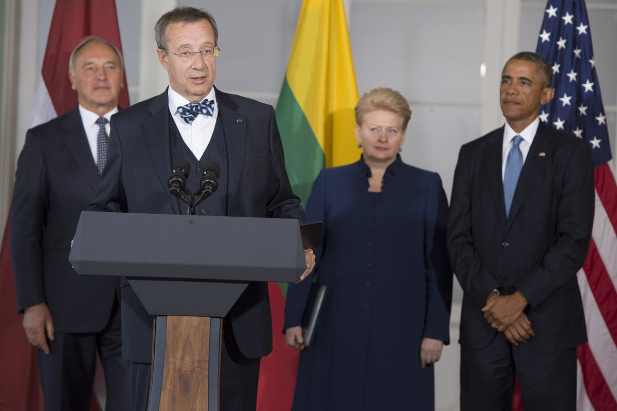 The presidents of Latvia, Estonia, and Lithuania (left to right) meet with President Obama in Estonia to discuss Russia