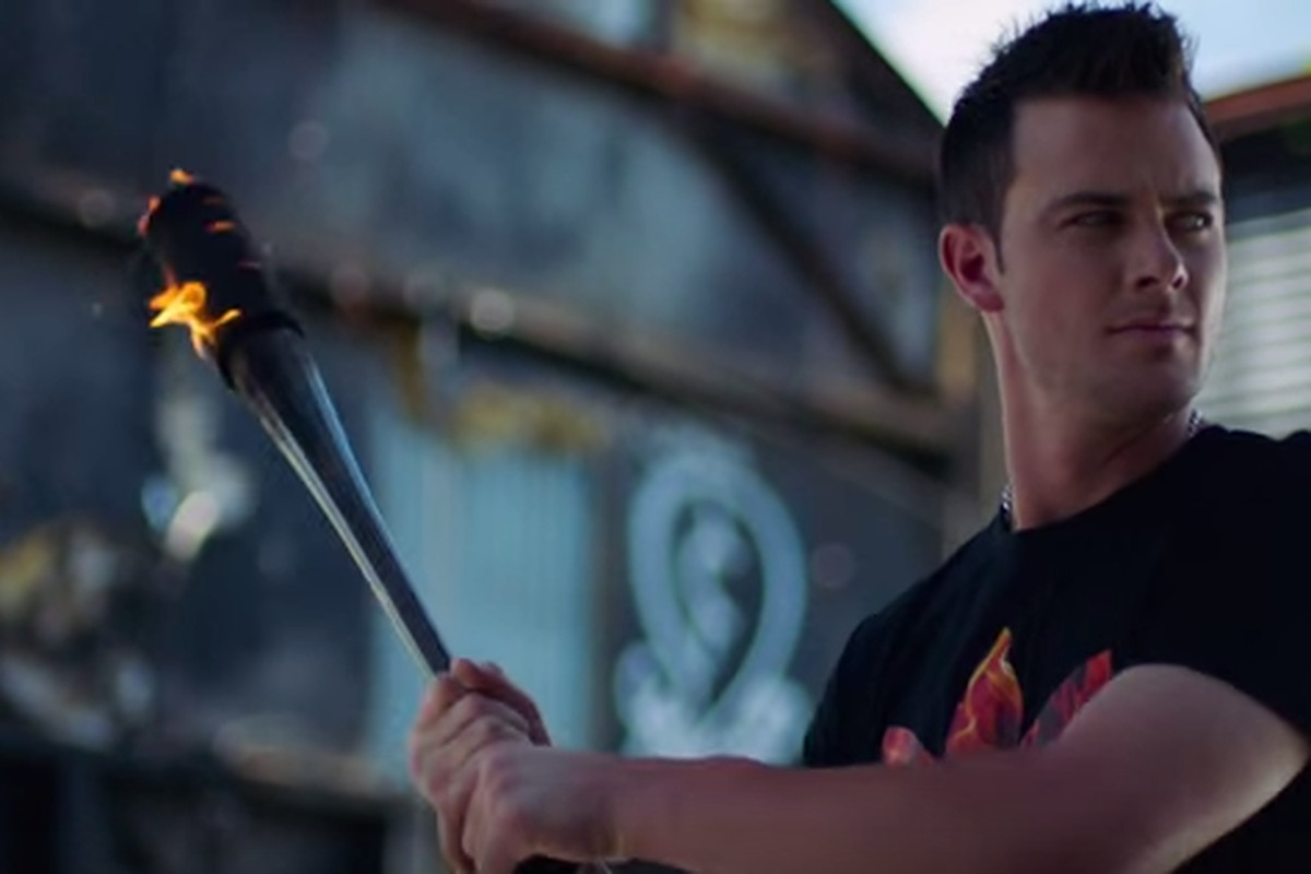 online store 285b8 3e1b2 Watch: Kris Bryant stars in new Champs Sports ad campaign ...