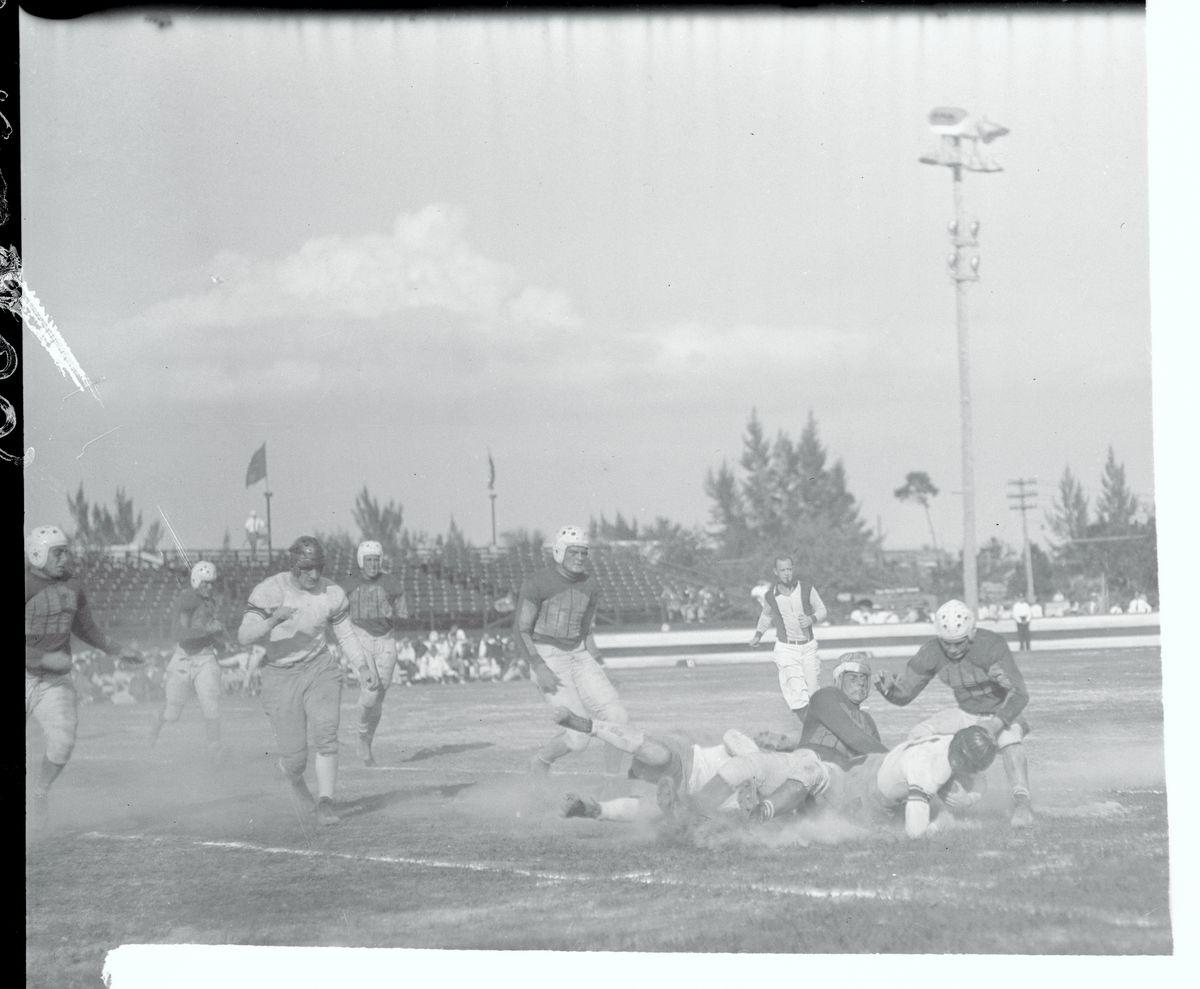 Running Play During the Orange Bowl