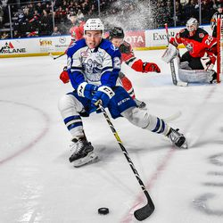 Syracuse Crunch Ross Colton (22) with the puck against the Binghamton Devils in American Hockey League (AHL) action at the War Memorial Arena in Syracuse, New York on Friday, December 7, 2018. Syracuse won 5-0. © Scott Thomas Photography