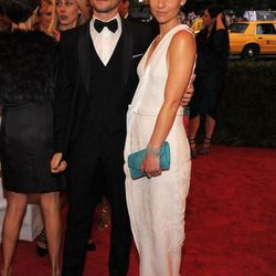 Hugh Dancy and Claire Danes (in J. Mendel)
