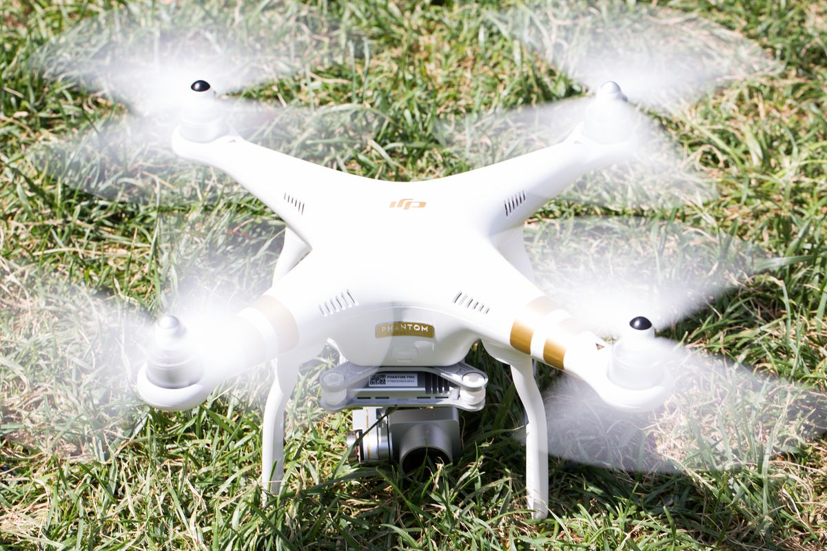 DJI Allows Pilots to Fly Without Internet Data Transfer