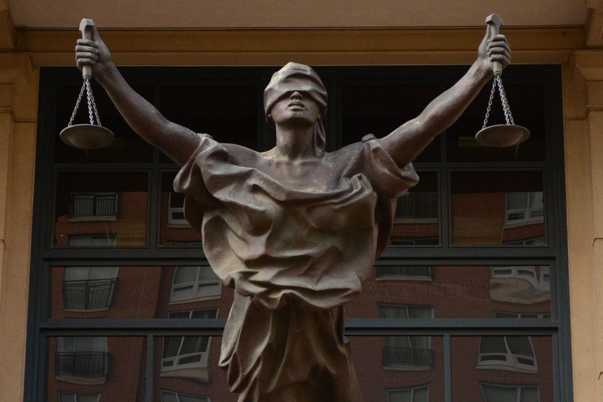 justice-blind5