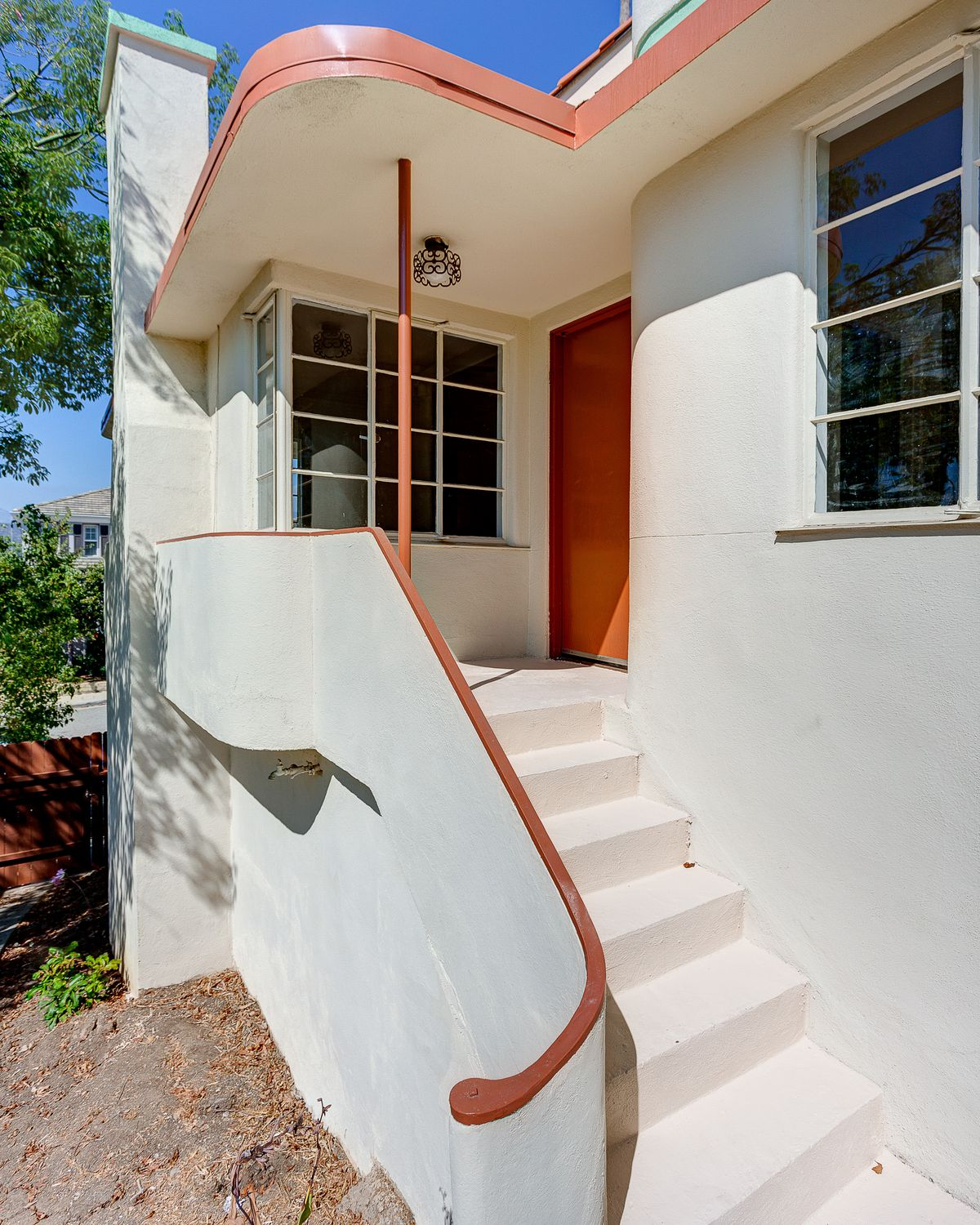 Streamline Moderne-style house in Montecito Heights asking $700K ...
