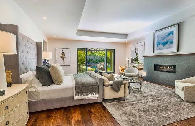 Bedroom Kris Jenner