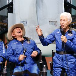 Wally Funk rhapsodizes about her flight to the edge of space aboard Blue Origin's crew capsule  during a post-mission event with the rest of the NS-16 crew.