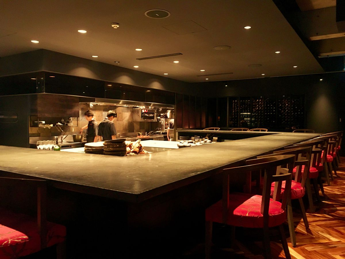 good dating places in tokyo
