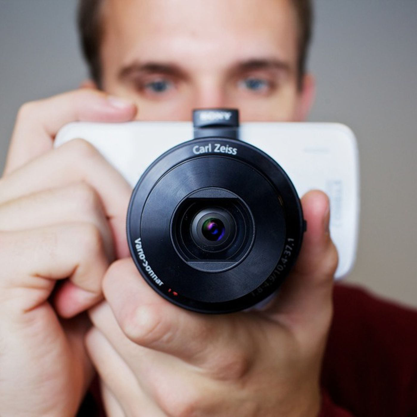 A camera for your cameraphone: Sony Cyber-shot QX10 and QX100 review