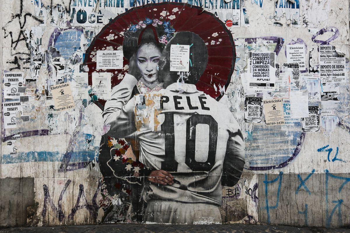 Exhibit and Urban Art Celebrate Pelé's 80th Birthday Amidst the Coronavirus (COVID - 19) Pandemic