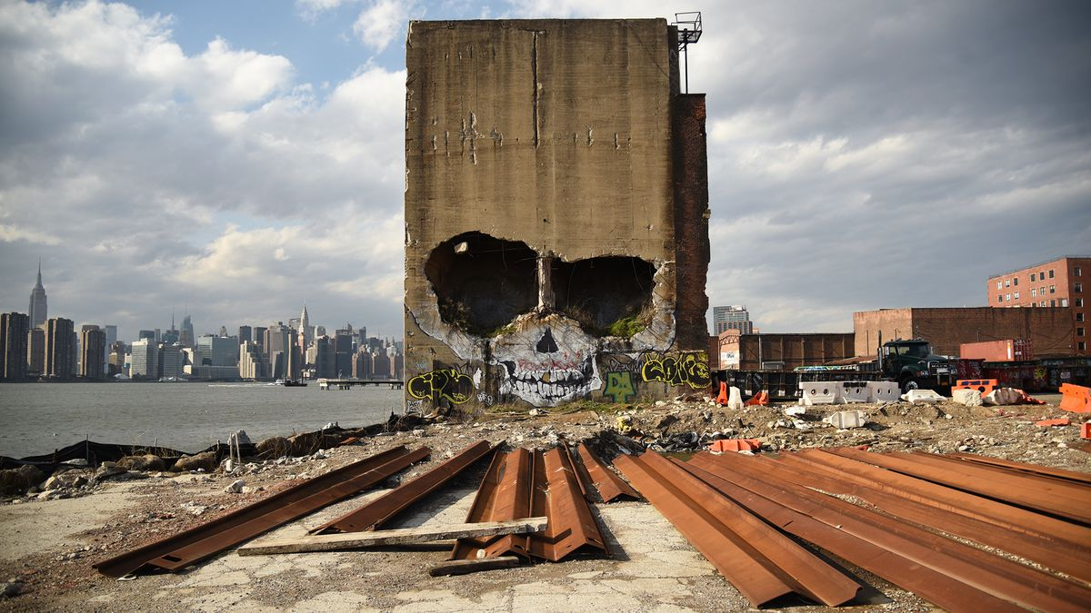 Exploring The Last Vestiges Of Greenpoint's Post