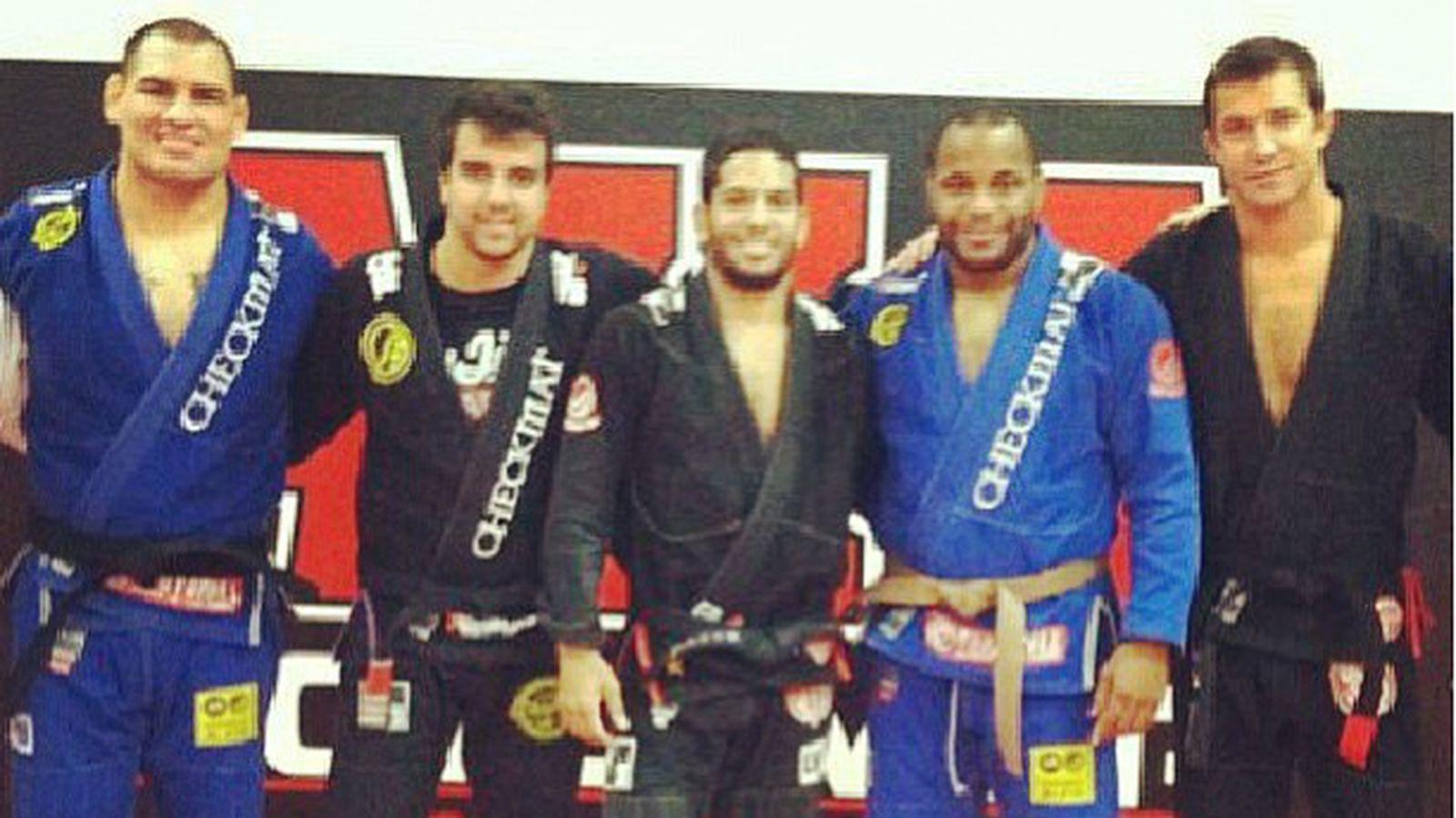 ufc 166  cain velasquez awarded black belt in jiu