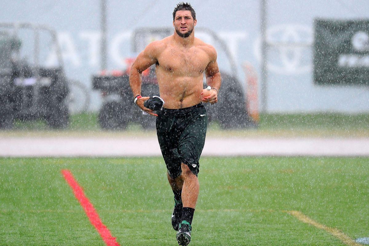 VIDEO: Tim Tebow Runs Shirtless In The Rain With Bo Derek ...Taysom Hill Body