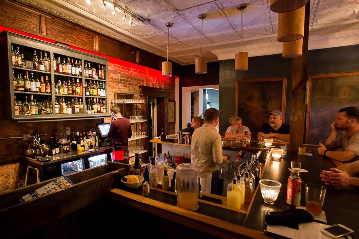 Mudgie's Bar.