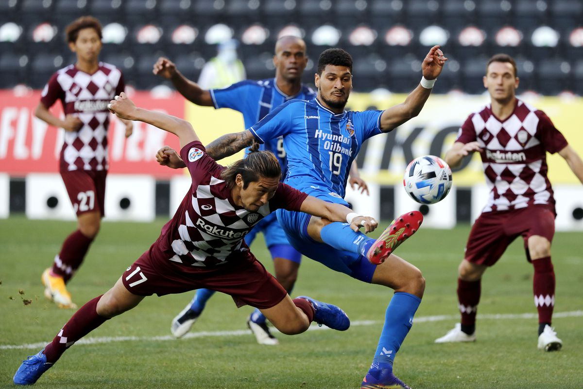 Ulsan Hyundai v Vissel Kobe - AFC Champions League Semi Final