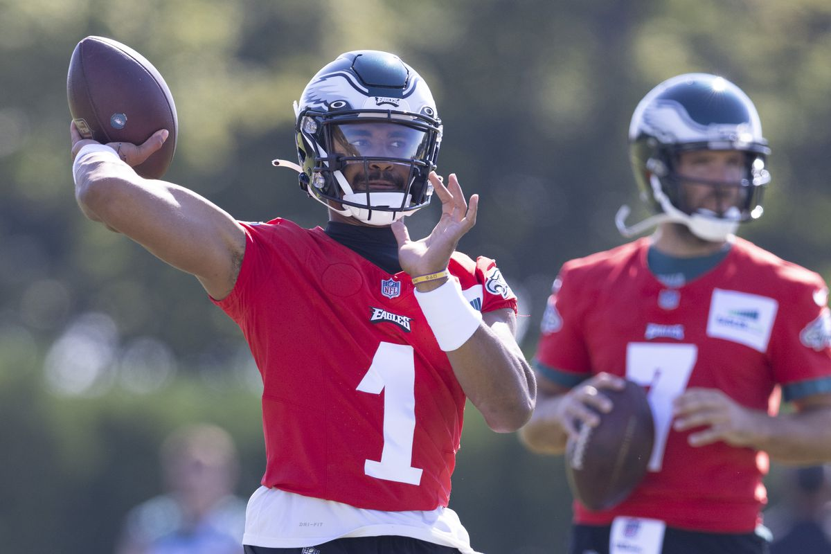 Jalen Hurts #1 of the Philadelphia Eagles throws a pass during training camp at the NovaCare Complex on August 5, 2021 in Philadelphia, Pennsylvania.