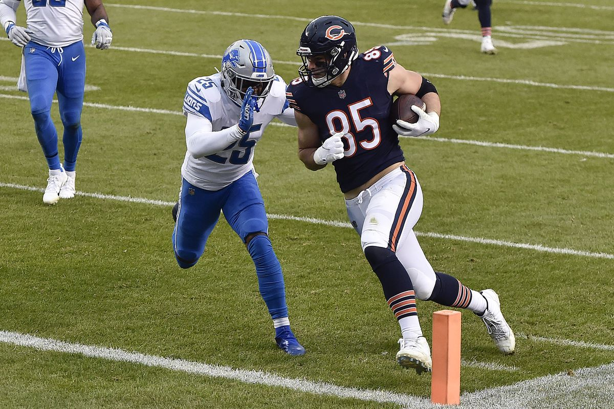 Bears tight end Cole Kmet scores against the Lions in December.