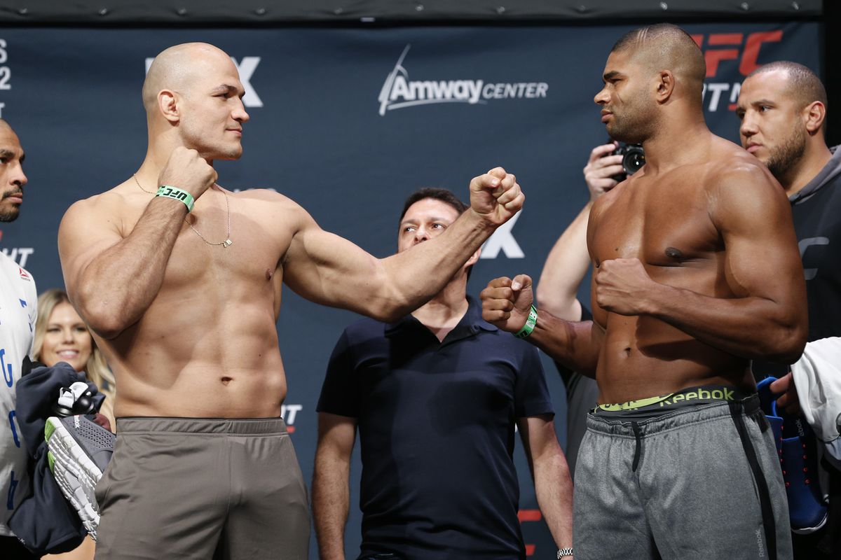 UFC on FOX 17 live blog: Junior dos Santos vs. Alistair Overeem - MMA Fighting