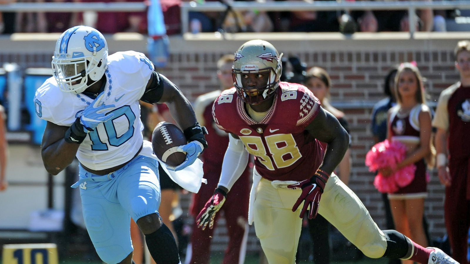 The North Carolina Tar Heels football team represents the University of North Carolina at Chapel Hill in the sport of American football The Tar Heels have played in