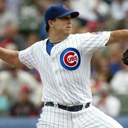 Chicago Cubs starter Jason Berken pitches to the Cincinnati Reds during the first inning of a baseball game in Chicago on Thursday, Sept. 20, 2012.