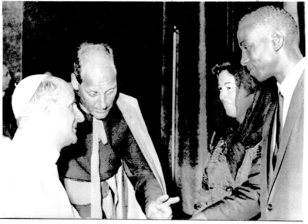 Pope Paul VI receives Chicago Cubs infielder Ernie Banks and his wife in a special audience at the Vatican.   Sun-Times library