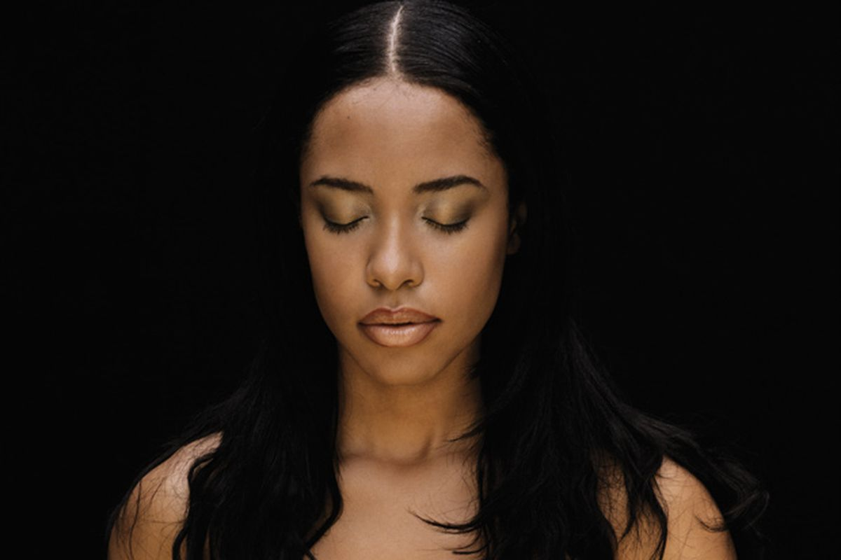 MAC's All-New Aaliyah Collection Will Fulfill Every Late '90s Girl's Dream
