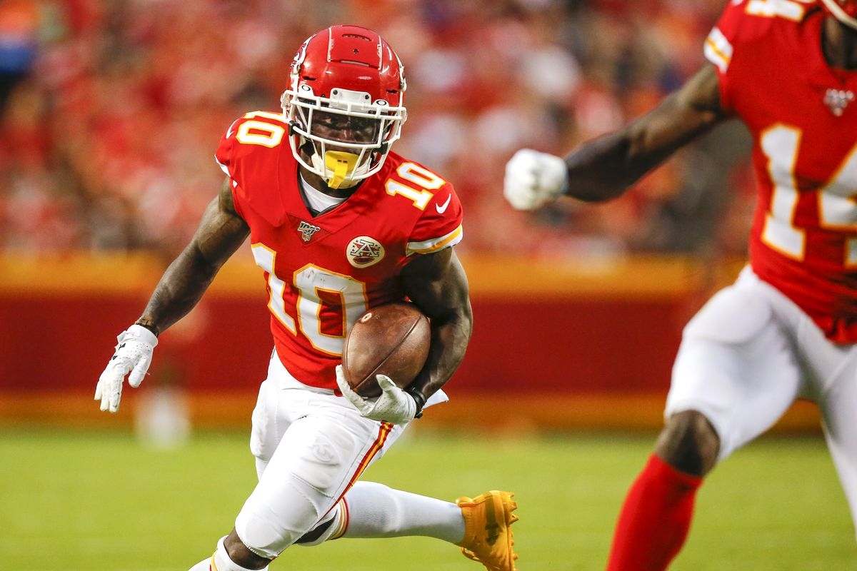 best service c542d 34237 Let's Argue: The Kansas City Chiefs don't need Tyreek Hill ...