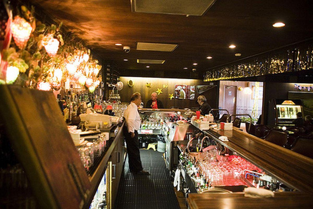The bar at Joe's of Westlake.