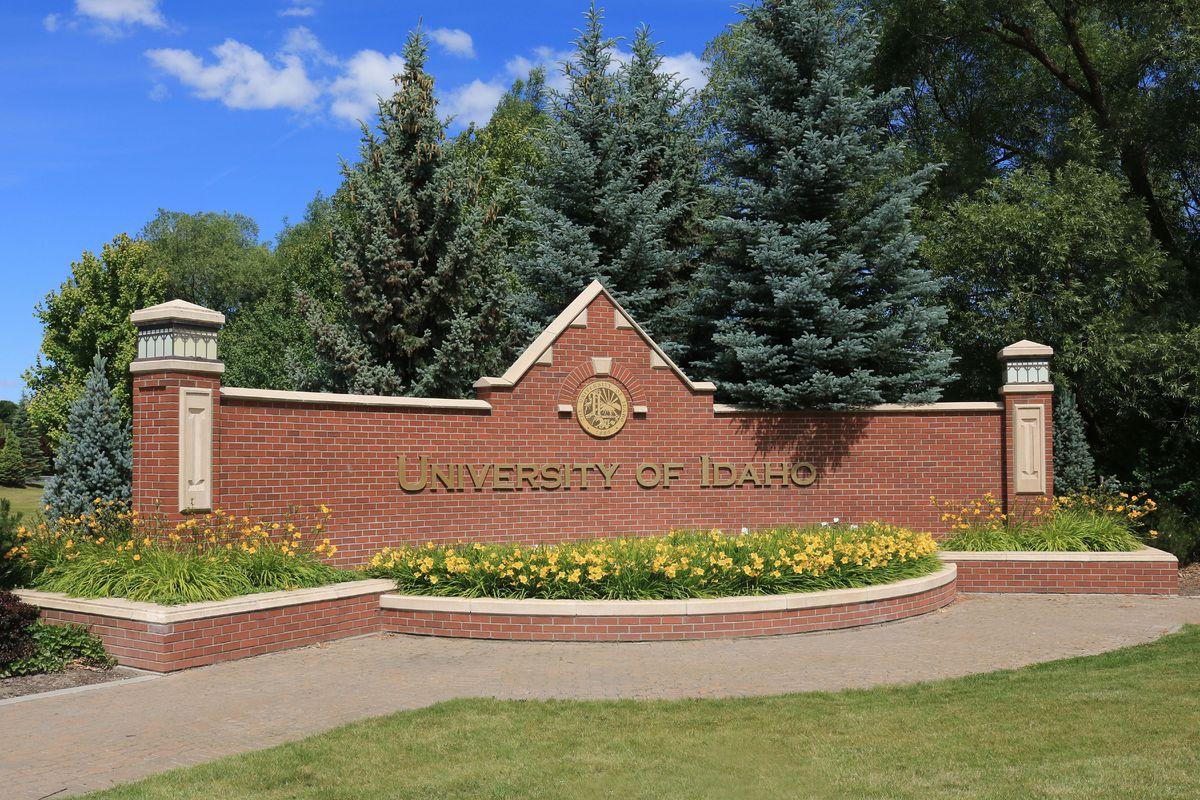 University of Idaho campus entry sign