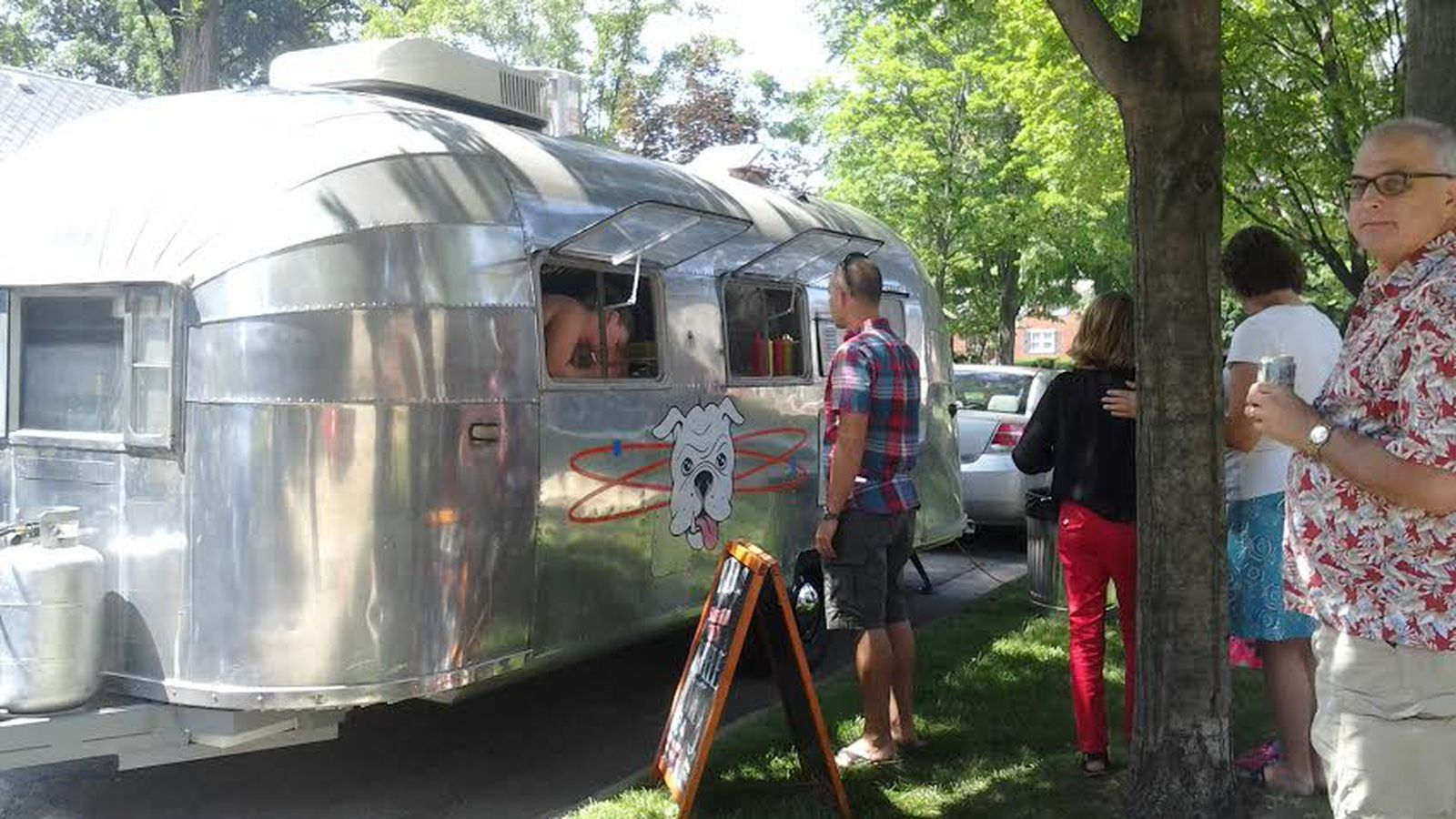 Chicago Dawg House Food Truck Menu