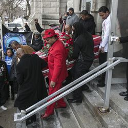 """Mourners attend the funeral services for 55-year-old Bettie Jones, who was """"accidentally"""" shot by a Chicago Police officer the day after Christmas, at New Mount Pilgrim Missionary Baptist Church on Wednesday, Jan. 6, 2016."""