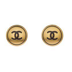 "<span class=""credit"">1994 Chanel Earrings, <a href=""http://mflynnjewelry.com/1994-chanel-earrings/p/24272/ac/c/?cPath=42_149"">$790</a></span><p>"