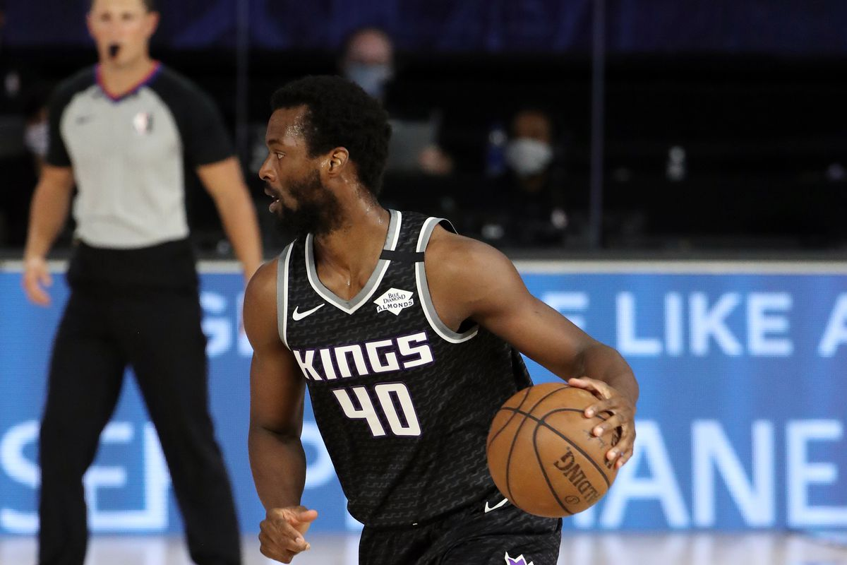 Harrison Barnes #40 of the Sacramento Kings handles the ball during the game against the New Orleans Pelicans on August 6, 2020 at The HP Field House at ESPN Wide World Of Sports Complex in Orlando, Florida.