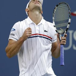Andy Roddick reacts during his match against Argentina's Juan Martin Del Potro in the quarterfinals during the 2012 US Open tennis tournament,  Wednesday, Sept. 5, 2012, in New York. (AP Photo/Darron Cummings)