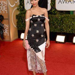 Wowza. Fashion risk-taker Zoe Saldana looking cool in a dress by her pal Prabal Gurung.