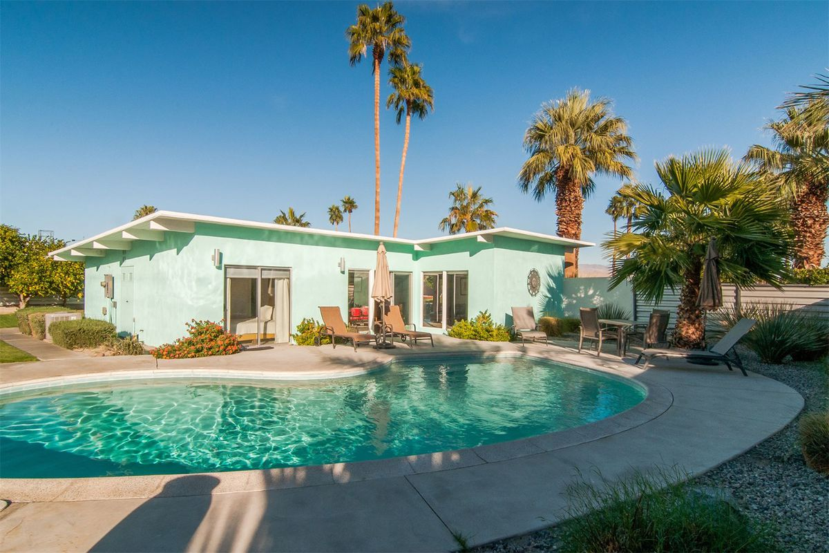 Nab this \'60s Palm Springs pad for $725K - Curbed