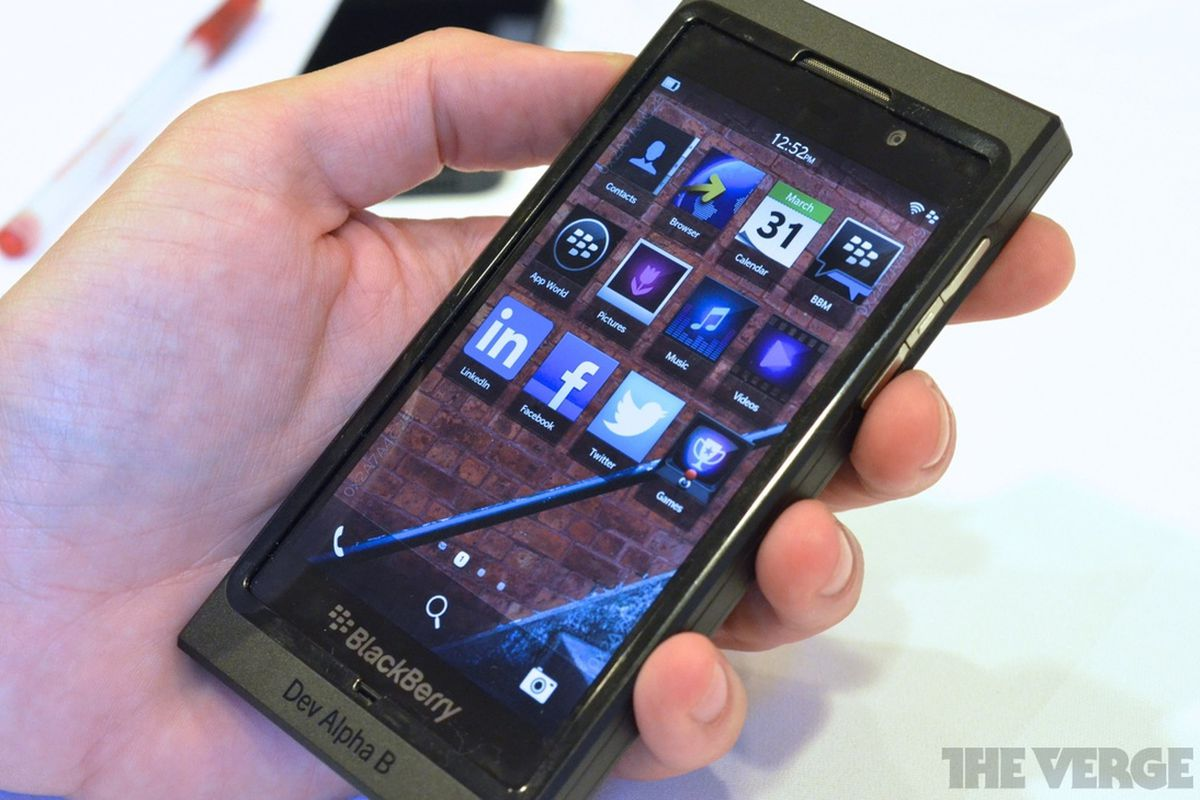 BlackBerry 10 Beta 3 hands-on photos and video - The Verge